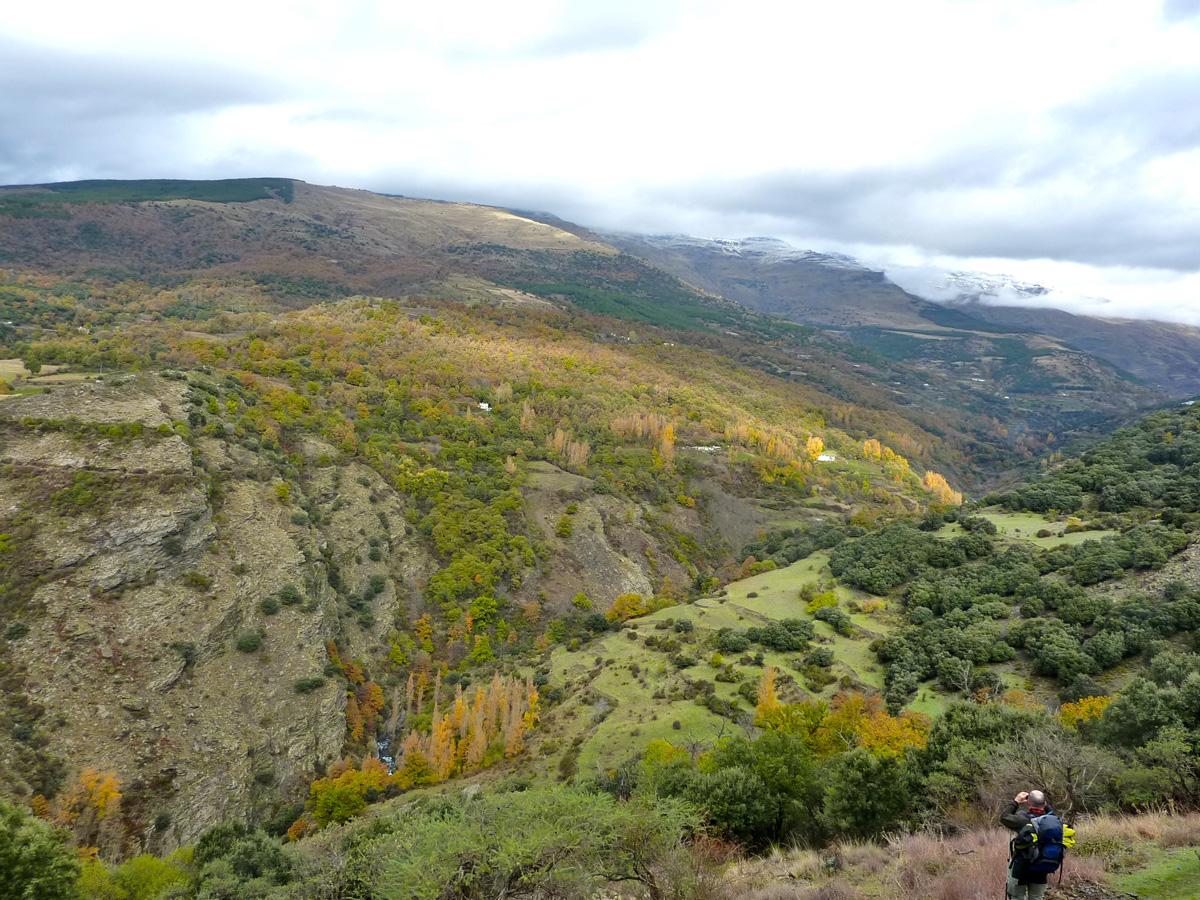 """Hiking along the """"acequia de Castaras"""" at La Alpujarra"""