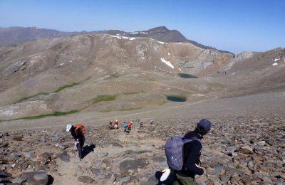 Cara oeste del Mulhacen con la laguna de la Caldera al fondo