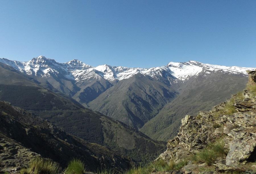 hiking-three-peaks-sierra-nevada-sierrysol