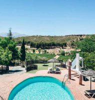 Hotel Cuevas del Tio Tobas piscina. Alojamiento durante el Camino Mozarabe de Santiago en Granada
